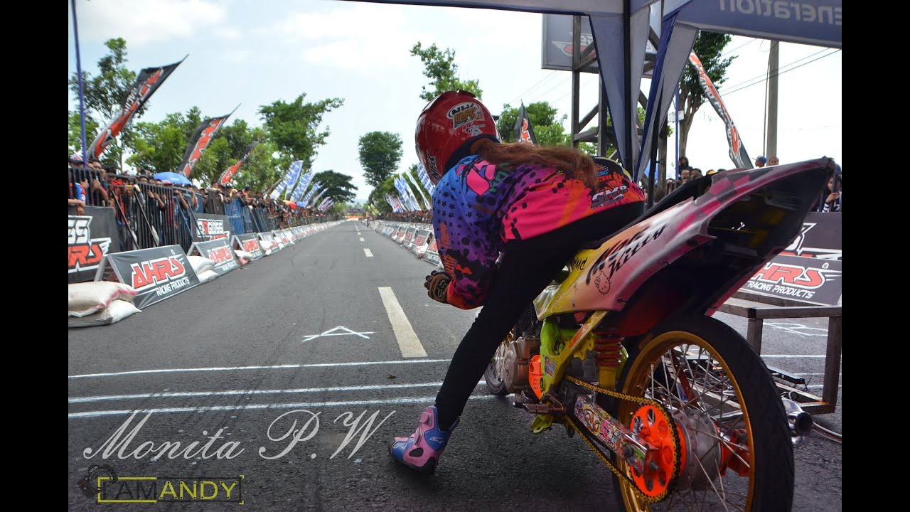 Drag Bike wanita indonesia Monita Jogjakarta | indonesia