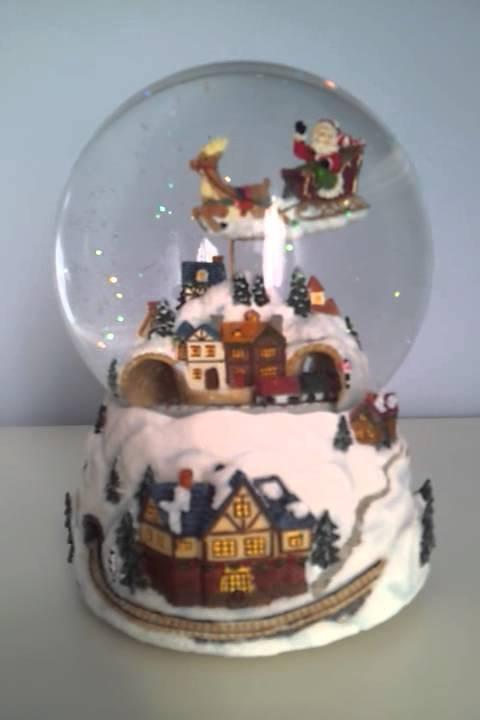 Bola de nieve musical de navidad pap noel y tren youtube - Bola nieve cristal ...