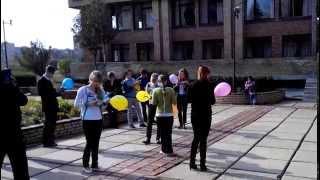 Краматорск. Флешмоб в библиотеке к профессональному празднику