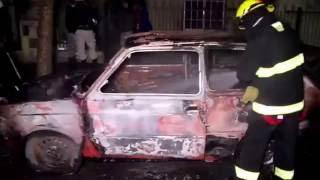 Automóvil en llamas
