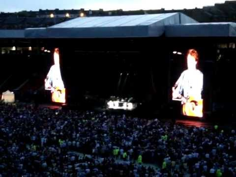 Paul McCartney - Yesterday - Hampden Park Glasgow 20.06.2010 Up And Coming Uk Tour