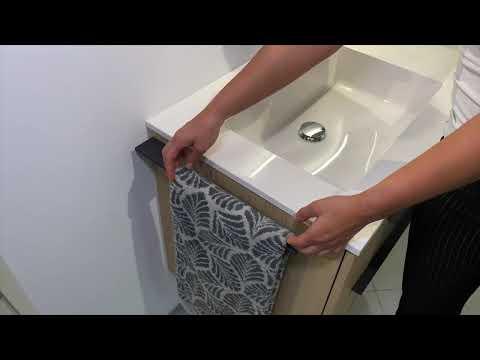 Design Handtuchhalter Anthrazit, Badetuchstange von Intarbad Designbaeder