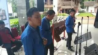 Versi live Bataknese cover Hajujuron
