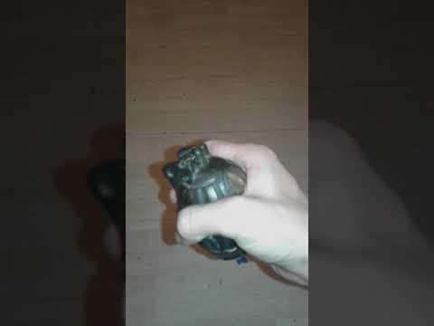 Je déclenche la grenade vide
