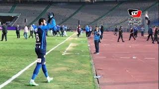 جماهير الأهلي تسب «جنش» بعد فوز الزمالك.. واللاعب يحييهم على طريقته الخاصة