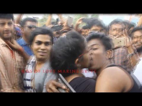 KISS OF LOVE MARINE DRIVE KOCHI Kiss of love at Cochin Marine Drive (Exclusive)(ചുംബന സമരം) 2017