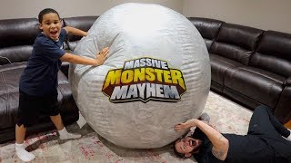 Giant Ball Prank on Daddy! Kids Pretend Play