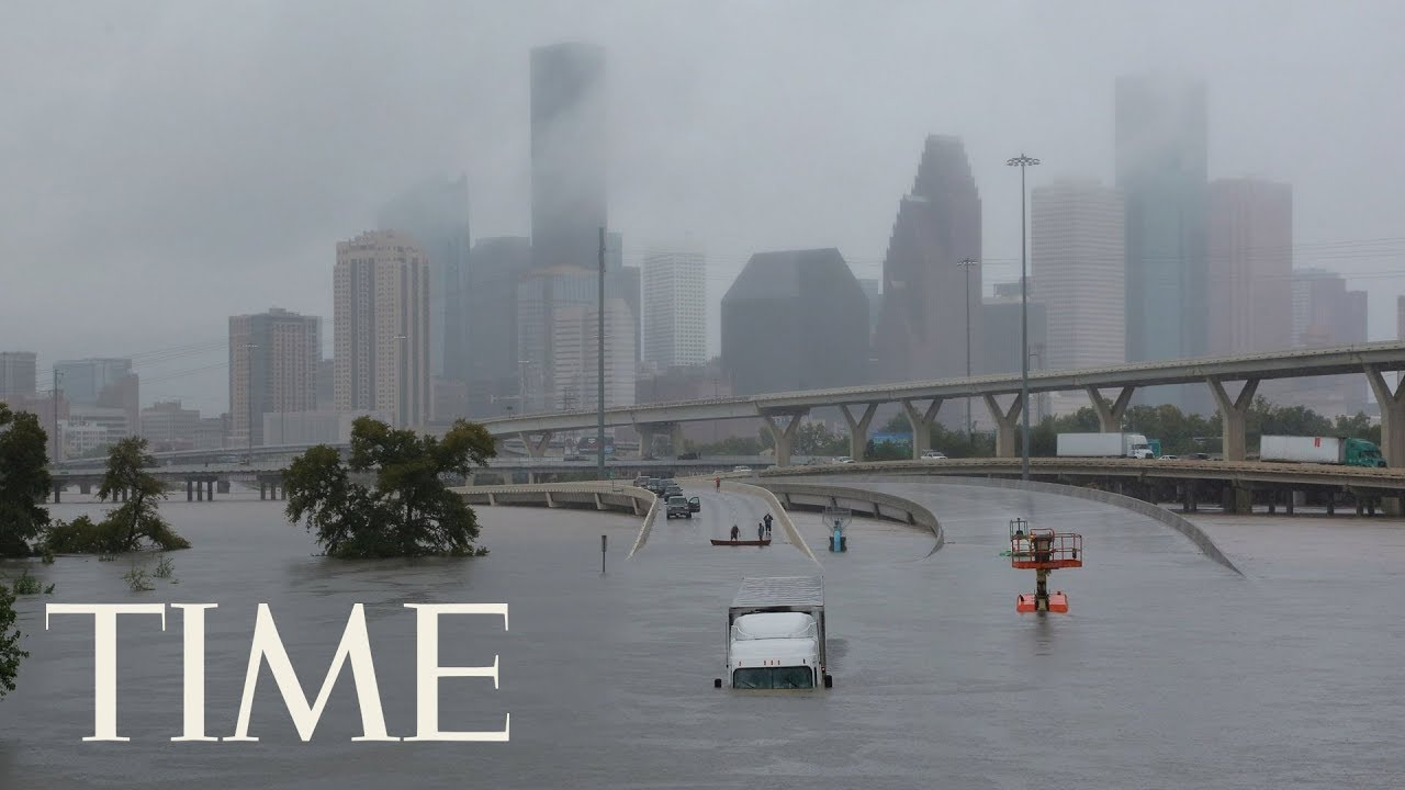 hundreds of people rescued from flooded streets as hurricane harvey wreaks havoc in houston. Black Bedroom Furniture Sets. Home Design Ideas