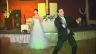İnanılmaz düğün dansı. Süpriz! Sonuna kadar izleyin