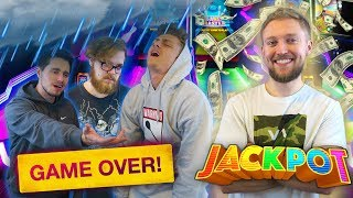 WINNING EVERY GAME AT DAVE AND BUSTERS! (He hit the jackpot)