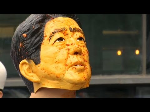 شاهد: -رئيس الوزراء الياباني- يتعرض للصفع والضرب في كوريا الجنوبية…  - نشر قبل 35 دقيقة