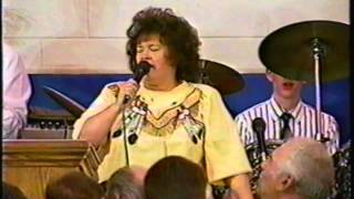 Betty Jean Robinson Singing