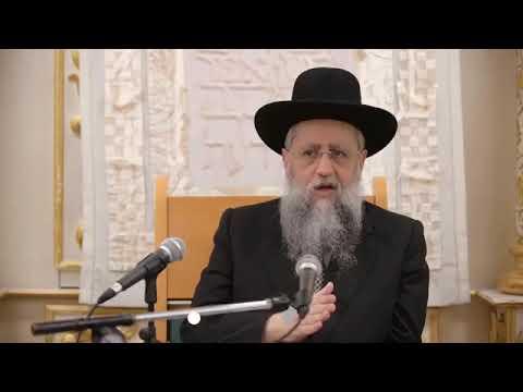 הרב דוד יוסף מסביר מה הדין למי שנמצא ברכב ונכנסה השבת - מה מותר ומה אסור לעשות - חלק א'