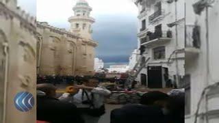 انهيار بناية في القصبة بالجزائر العاصمة .. وأنباء عن وجود عدد من سكانها تحت الأنقاض