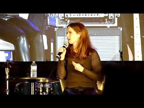Rebecca Mader Full Panel OUAT Van 2018