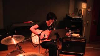 LOVIN STYLE Vocal による弾き語りです。 2013.09.11撮影.