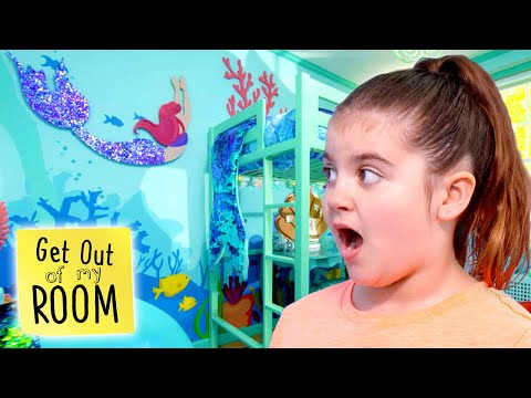 Girl Gets MERMAID Room Makeover 🧜♀️🐠🐚 | Get Out Of My Room | Universal Kids