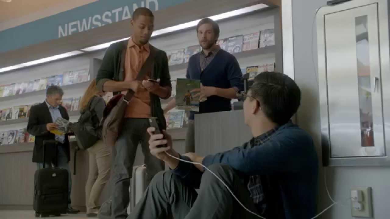 """Samsung tung quảng cáo """"đá đểu"""" người dùng iPhone 5"""