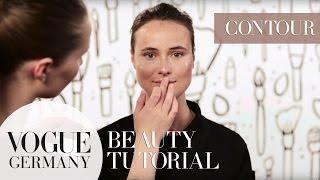 Wie funktioniert Contouring? Richtig Highlights setzen |VOGUE Beauty Tutorial