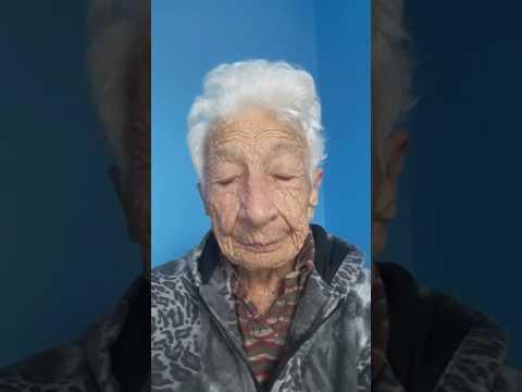 Dona Anita com 101 anos se vê pela primeira vez na web cam. EMOCIONANTE!!