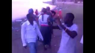اين النظام العام : صدقو اولا تصدقو مجموعة شباب سودانيين يمارسون دعارة في وضع النهار