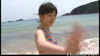 鈴木愛理 DVD『Pure Blue』 2009年7月1日(水)発売 EPBE-5339 3,990円(税込) 発売元:アップフロントワークス/ゼティマ 鈴木愛理15歳の魅力満載!