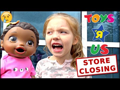 BABY ALIVE Has Her LAST TOY HUNTING At TOYS R US! The Lilly And Mommy Show The TOYTASTIC Sisters