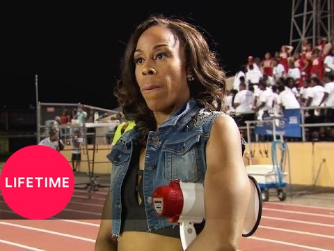 Bring It!: Fighting Over the Counts (Season 2, Episode 20) | Lifetime