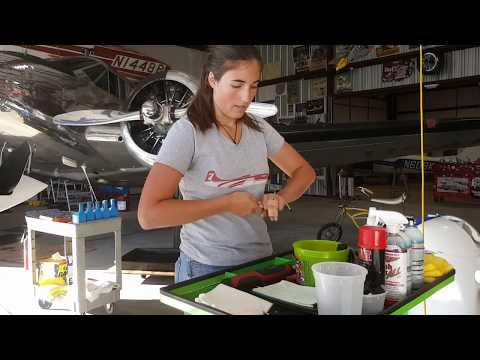 Cessna Oil change and spark plugs changed part 1