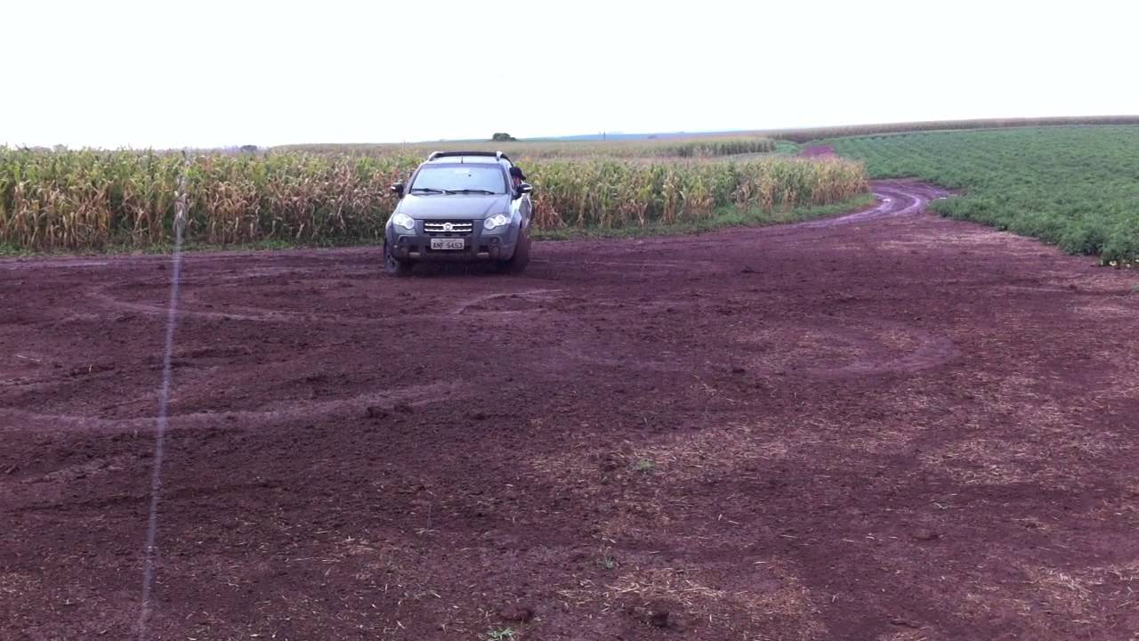 Fiat Strada Adventure Locker Zerinho No Barro