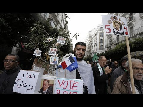 حراك الشارع الجزائري: عندما تمتزج السياسة بالفكاهة  - نشر قبل 3 ساعة
