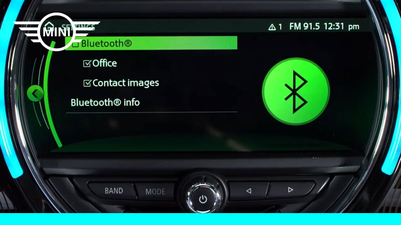 MINI USA | MINI Connected With Touchscreen | Bluetooth ...