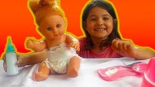 Çiş Yapan Oyuncak Bebek ile Oynadık   Eğlenceli Çocuk Videosu