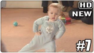 Baby dances to Gangnam style