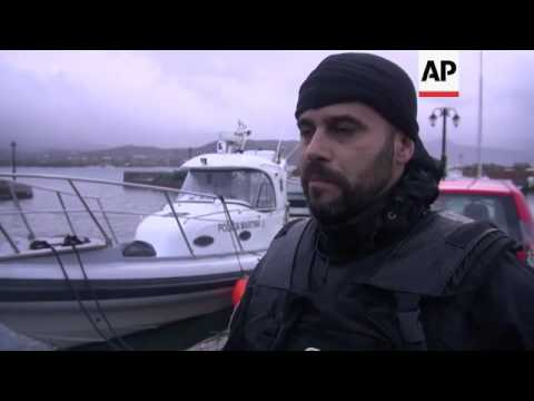 Migrants arrive to Lesbos; Frontex ship embed