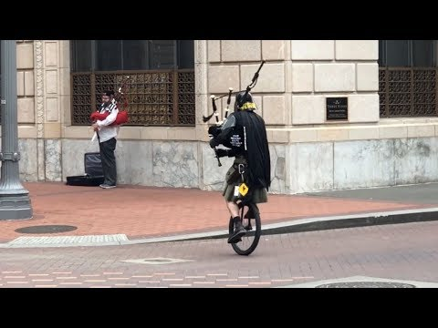 Dueling Bagpipes in Portland