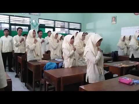 Dirigen Lagu Indonesia Raya