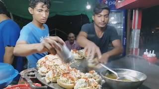 Super Fast Cooking Skills Of Making Burgers 20 + Egg Anda Bun Kabab Making At Street Food of Karachi