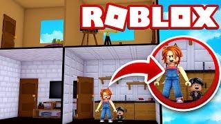 MEU bebê e eu estamos trancados em uma casa de bonecas em ROBLOX 😱