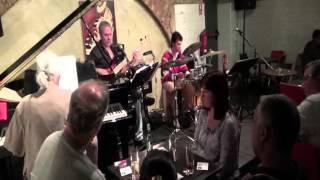 """""""Partido alto"""", por Trio bossa-jazz ELM"""