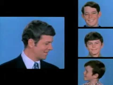 Brady Bunch - Opening Theme (Season 1).wmv (www.car54.uk)