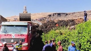 Dozens feared dead after landslide at Ethiopian rubbish dump