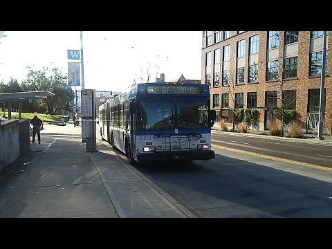 Community Transit 2000 New Flyer D60LF 20868 on route 810 to University of Washington