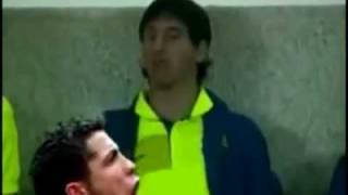 ميسي يضرب كريستيانو رونالدو Messi hits Cristiano Ronaldo