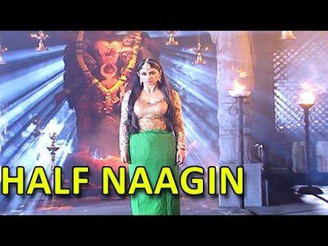Mouni Roy AKA Shivangi's Half Naagin Look | #TellyTopUp thumbnail