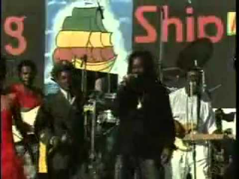 Dennis Brown  Cocoa Tea Get Myself Together (Live)