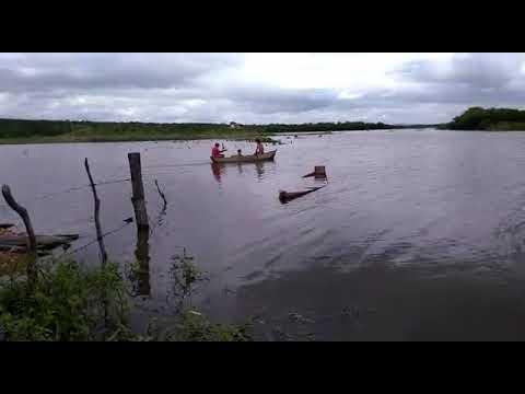 Canoa volta a navegar no açude torrão em São Vicente