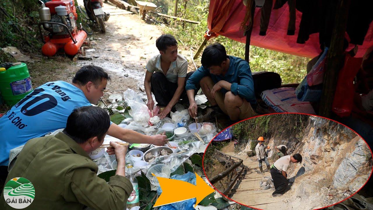 Cơm đường lót lá - phá đá ầm ầm   Cầu qua vách đá cheo leo Tà Chơ (T 4 )