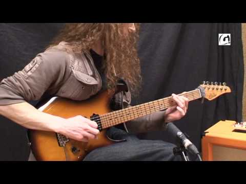 Masterclass - Guthrie Govan - Guitar lesson - Slap, Slide and Tapping