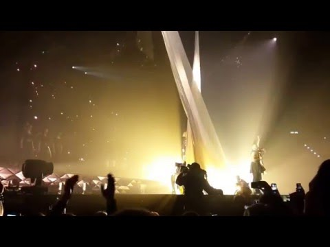 Ellie Goulding - Intro/Aftertaste Live Delirium World Tour Zürich Hallenstadion